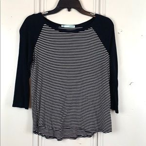 4/$20 Maurices Black & White Striped Shirt Size S